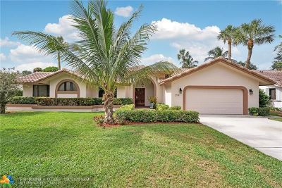 Oakland Park Single Family Home For Sale: 2719 Oak Tree Ln
