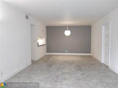 Oakland Park Condo/Townhouse Backup Contract-Call LA: 3017 N Oakland Forest Dr #201