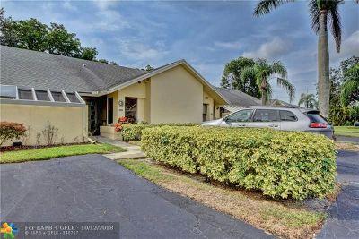 Boca Raton Condo/Townhouse For Sale: 10900 Waterberry Ct #10900