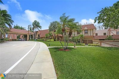 Delray Beach FL Condo/Townhouse For Sale: $185,000