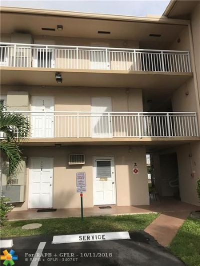 Margate Condo/Townhouse For Sale: 5800 Margate Blvd #211