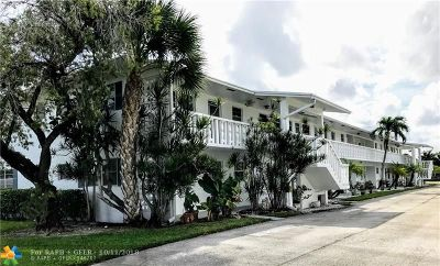 Margate Condo/Townhouse For Sale: 6560 Winfield Blvd #101