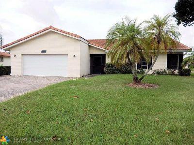Tamarac Single Family Home For Sale: 7035 NW 105th Ave