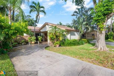 Coconut Creek Single Family Home For Sale: 4361 Acacia Cir