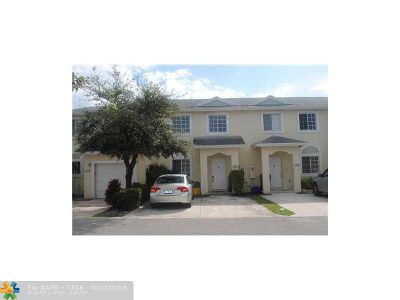 Deerfield Beach Condo/Townhouse For Sale: 1186 SW 44th Ave #1186