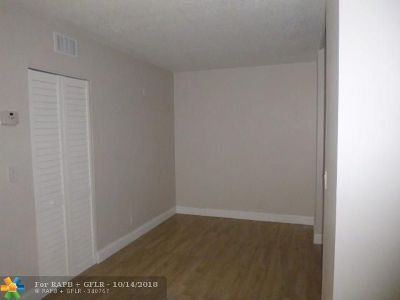 Coral Springs Condo/Townhouse For Sale: 3288 NW 104th Ave #3288