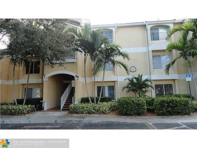 Oakland Park Condo/Townhouse For Sale: 2667 NW 33rd St #2403