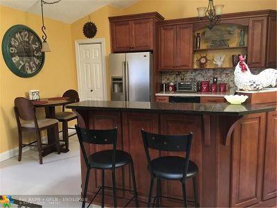 Boca Raton Condo/Townhouse For Sale: 9810 Boca Gardens Pkwy #C