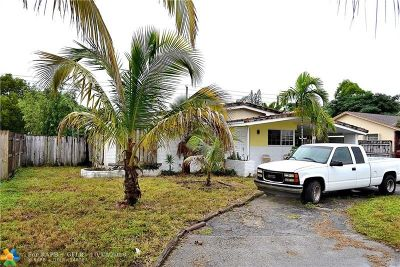Oakland Park Single Family Home For Sale: 720 NW 40th St