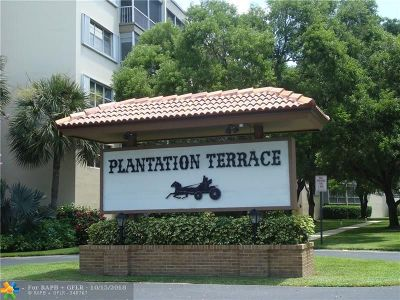 Plantation Condo/Townhouse For Sale: 6751 Cypress Rd #106