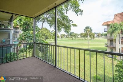 Lauderhill Condo/Townhouse For Sale: 6201 N Falls Circle Dr #303