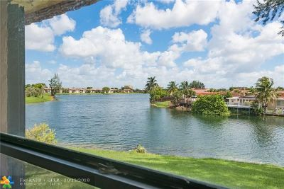 Hialeah Condo/Townhouse For Sale: 6465 W 27th Ave #203-43