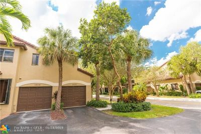 Plantation Condo/Townhouse For Sale: 10510 NW 10th St #C-123