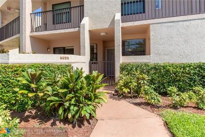 Tamarac Condo/Townhouse For Sale: 7410 Fairfax Dr #107