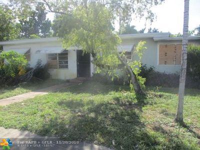 North Miami Multi Family Home For Sale: 1320 NE 118th St