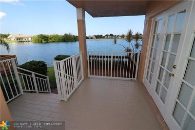 Oakland Park Condo/Townhouse For Sale: 3275 NW 44th St #2