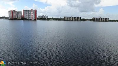 Miami Condo/Townhouse For Sale: 1160 NE 191st St #32