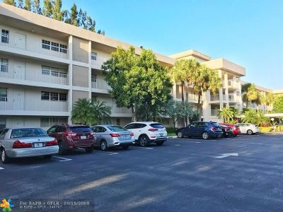 Pompano Beach Condo/Townhouse For Sale: 3051 S. Palm Aire #207
