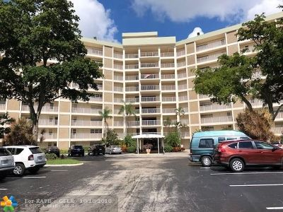 Pompano Beach Condo/Townhouse For Sale: 3090 N Course Dr #906