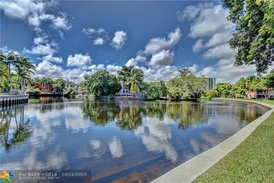 Wilton Manors Condo/Townhouse For Sale: 300 NE 19th Ct #105-N