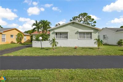 Lake Worth Single Family Home For Sale: 7259 Pine Manor Dr