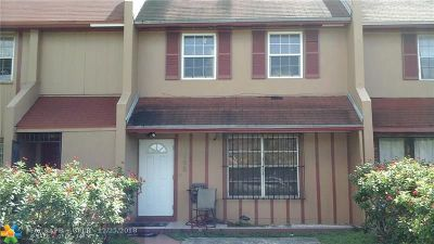 Miami Gardens Condo/Townhouse For Sale: 2758 NW 196th Ter #2758