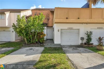 Plantation Condo/Townhouse For Sale: 8232 NW 8th Pl #4