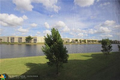 Tamarac Condo/Townhouse For Sale: 7334 Fairfax Dr #201