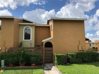 Tamarac Condo/Townhouse For Sale: 8045 NW 71st Ct #8045