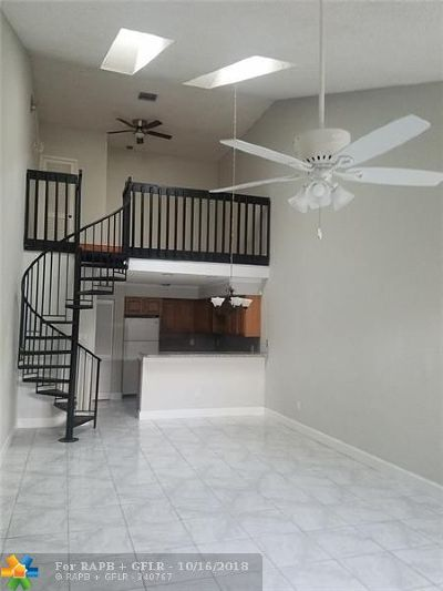 North Lauderdale Condo/Townhouse For Sale: 1805 Racquet Ct #1805