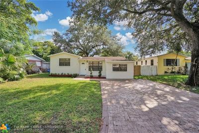Pembroke Pines Single Family Home For Sale: 6824 SW 12th St