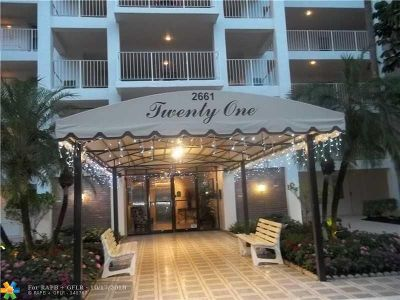 Pompano Beach Condo/Townhouse For Sale: 2661 S Course Dr #305