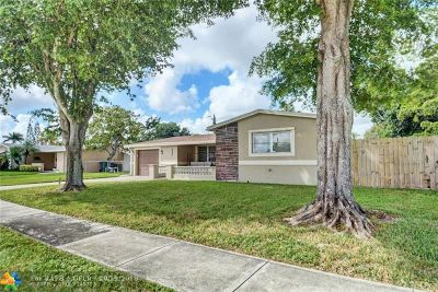 Cooper City Single Family Home For Sale: 4937 SW 90th Way