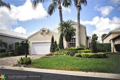 Boynton Beach Single Family Home For Sale: 6435 Three Lakes Ln