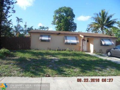 Pompano Beach Single Family Home For Sale: 240 NE 30th St