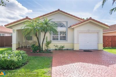 Miami Lakes Single Family Home For Sale: 8724 NW 143rd Ter