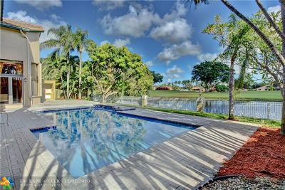 Plantation Single Family Home For Sale: 920 E Coco Plum Cir