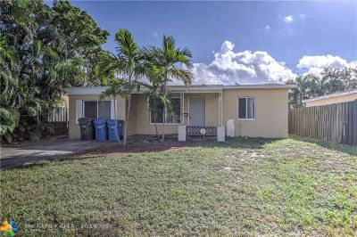 Oakland Park Single Family Home For Sale: 5248 NE 1st Ter