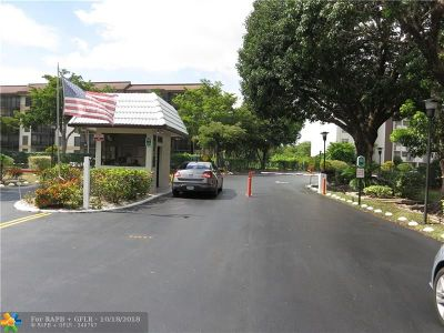 Lauderhill Condo/Townhouse For Sale: 5900 NW 44th St #311