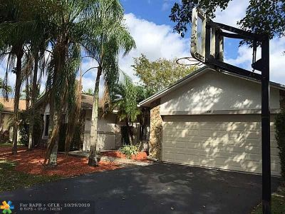 Coral Springs Single Family Home For Sale: 10869 NW 21st Pl