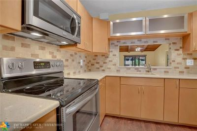 Hollywood Condo/Townhouse Backup Contract-Call LA: 3349 Oak Dr #3349