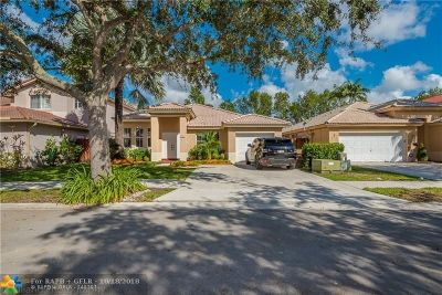 Davie Single Family Home For Sale: 408 E Garden Cove Cir