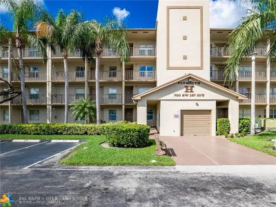 Pembroke Pines Condo/Townhouse For Sale: 700 SW 137th Ave #102H