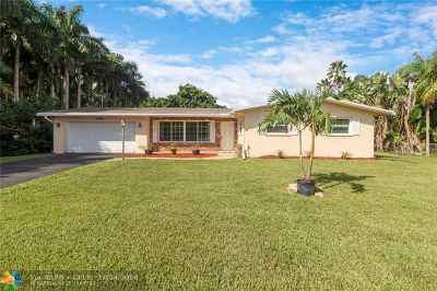 Davie Single Family Home For Sale: 4785 SW 72nd Ave