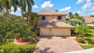 Weston Single Family Home For Sale: 1018 Waterside Cir