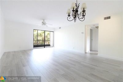 Boca Raton Condo/Townhouse For Sale: 900 SW 9th Street Cir #104