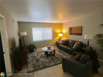 Wilton Manors Condo/Townhouse For Sale: 140 NE 19th Ct #107-E