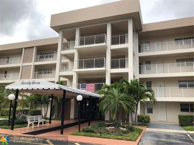 Pompano Beach Condo/Townhouse For Sale: 2651 S Palm Aire Dr #105
