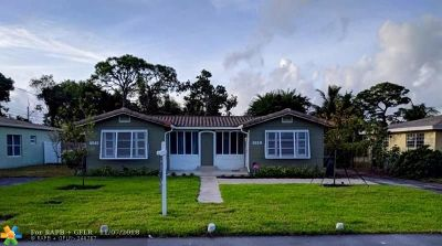 Oakland Park Multi Family Home For Sale: 902 NE 34th St