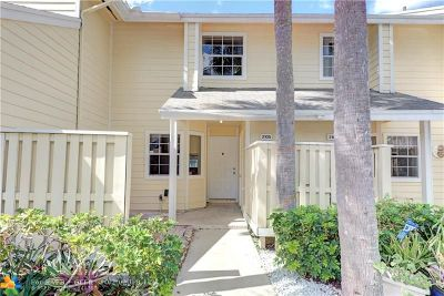 Broward County , Palm Beach County Condo/Townhouse For Sale: 2105 Champions Way #2105